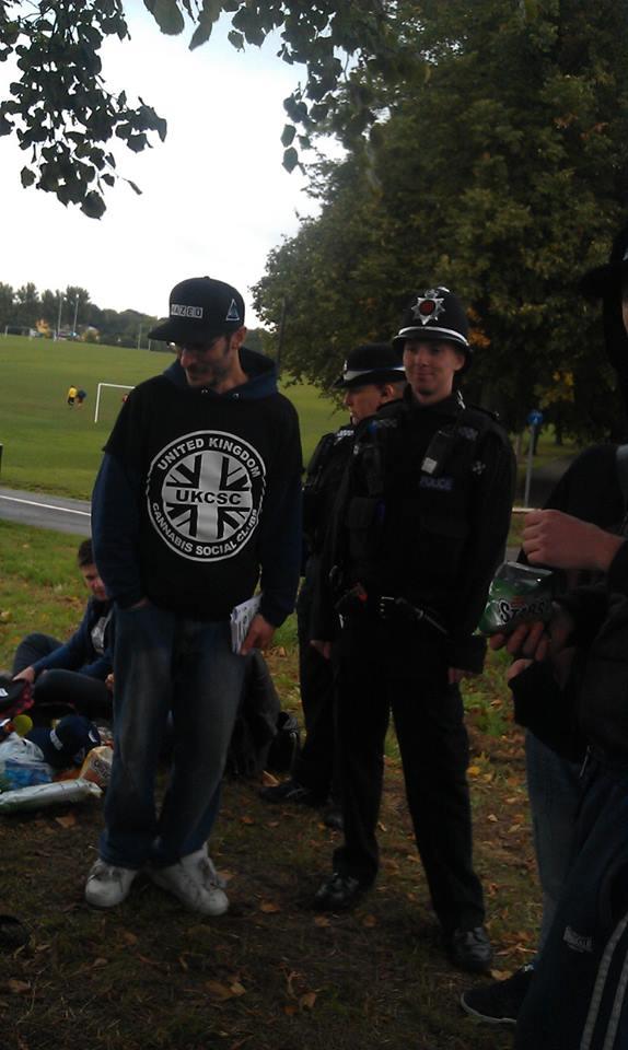Almundoman with local Police