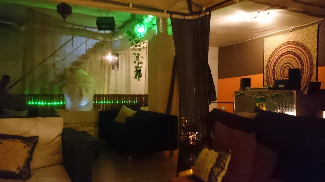 Resin Lounge